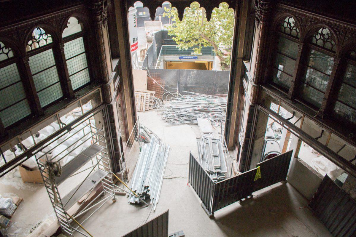 Megnéztük, hogy halad a Párisi Udvar Hotel felújítása - KÉPEK