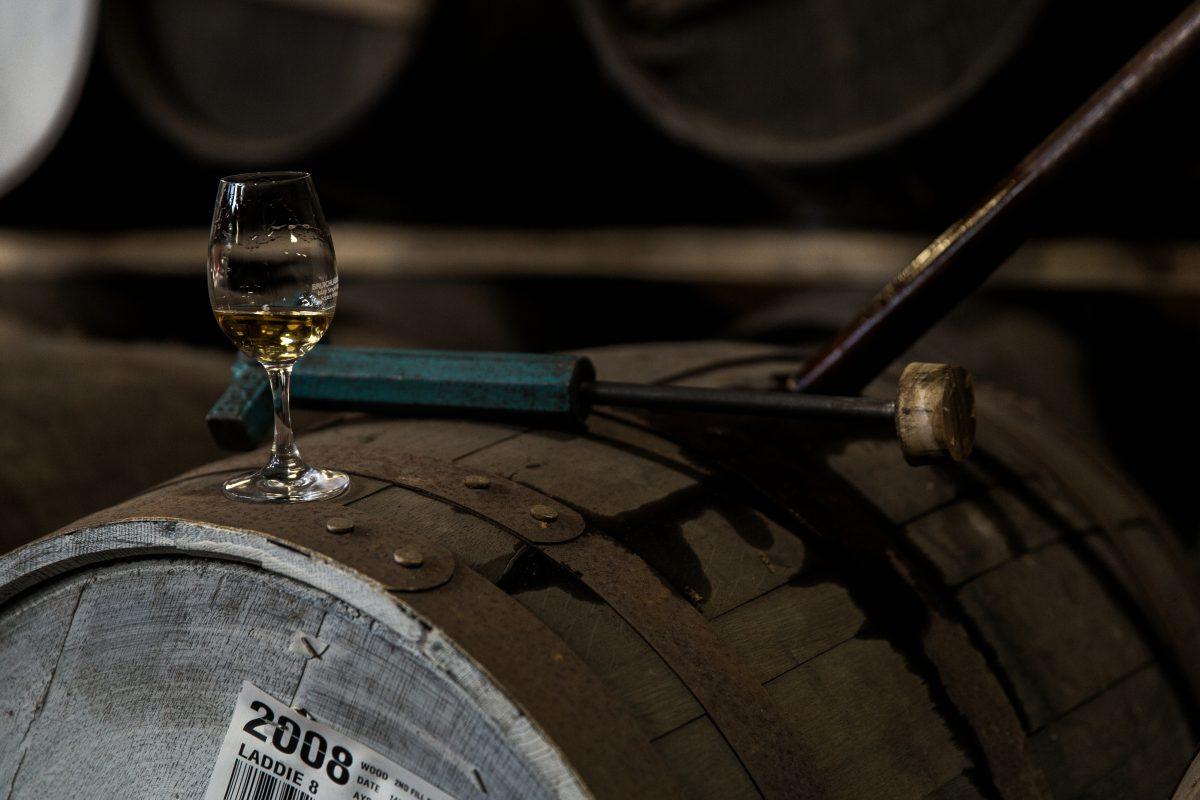 Két nő vs. 6 pohárka whisky