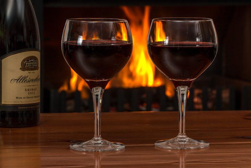 Egy pohár bor mindig jó program, főleg ha esik odakinn