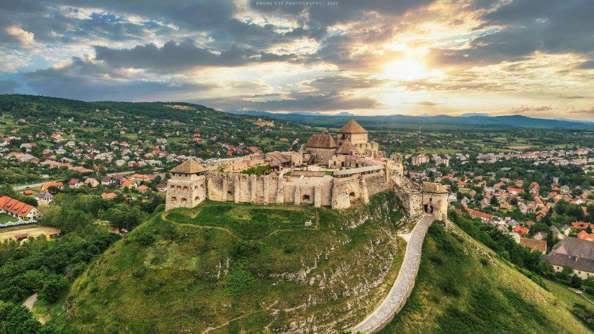 Balaton északi part programok rossz időben: Sümegi vár