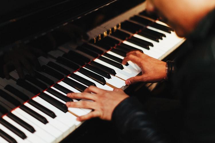 Zongorakoncert Érdi Tamással (Gyulakeszi)