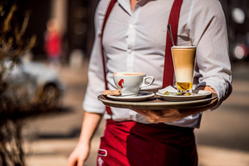 Fizess verssel a kávéért a Kávé Világnapján