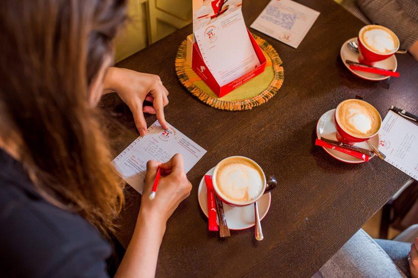 Veressel fizetni a kávéért? - egy napig medteheted a Kávé Világnapján