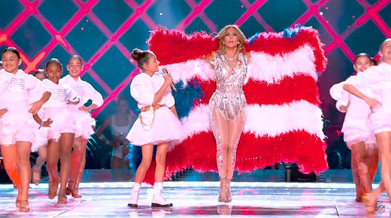 J.Lo és lánya együtt a színpadon a Super Bowl Halftime Show-jában