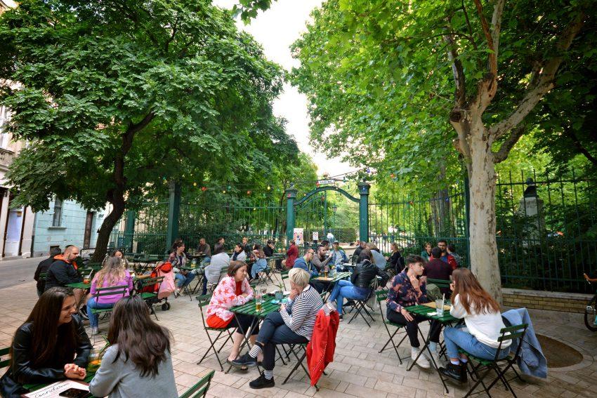 Kerthelyiségek a belvárosban: Csendes Társ