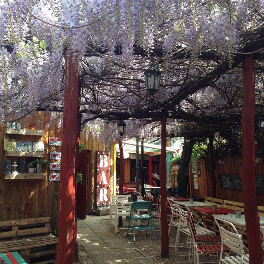 Budai kiülős helyek: Kifli ÉS Kocsma