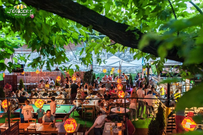 Kerthelyiség étterem Budapest: Jégkert