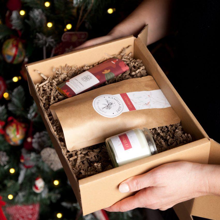 Egyedi ajándékok - Kézműves bolt: Kamélia Kert