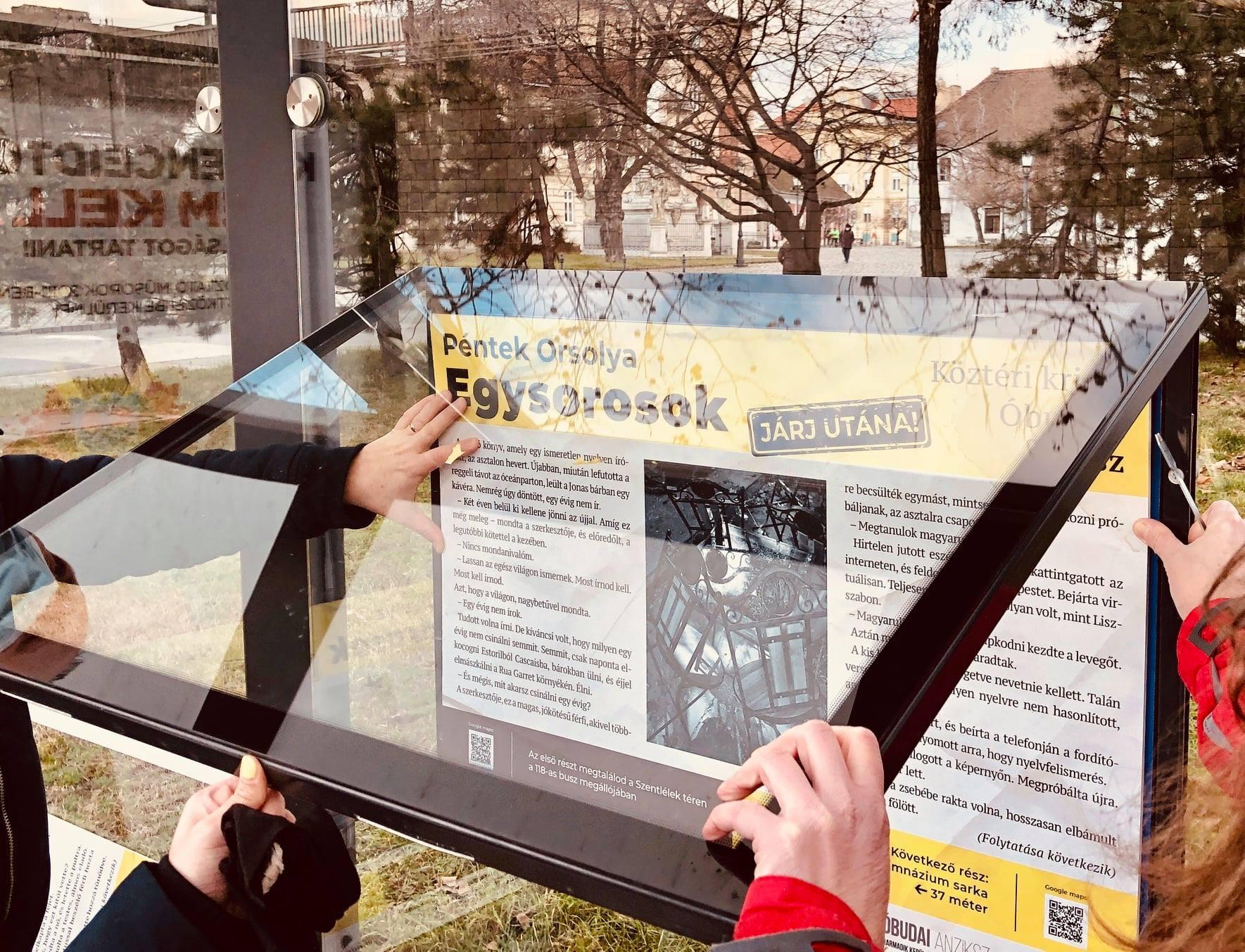 Nyomozz, sétálj, kávézz: Köztéri plakátkrimik Óbudán
