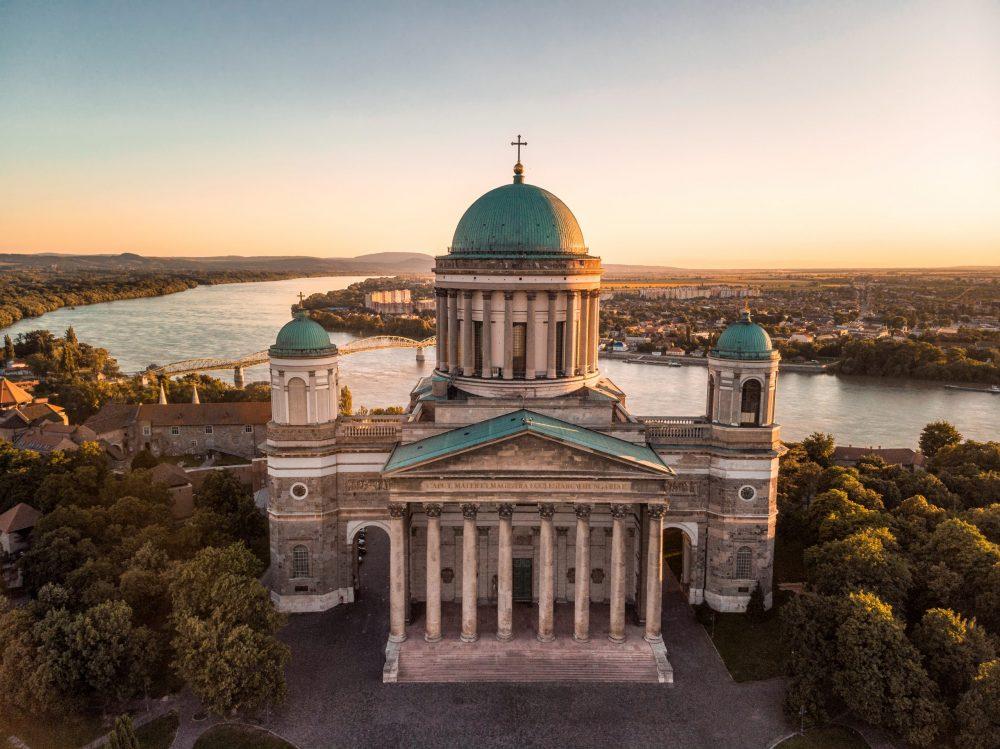 A magyar Róma: Kihagyhatatlan látnivalók Esztergomban