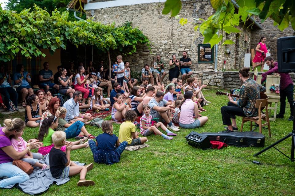 Idén nyáron is lesz Bondoró Utcaszínház Fesztivál Kapolcson