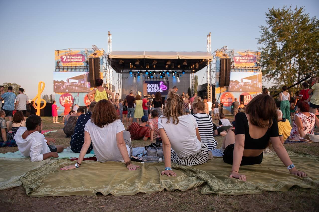 Fűben fetrengős fesztiválhangulattal vár idén nyáron is a Paloznaki Jazzpiknik