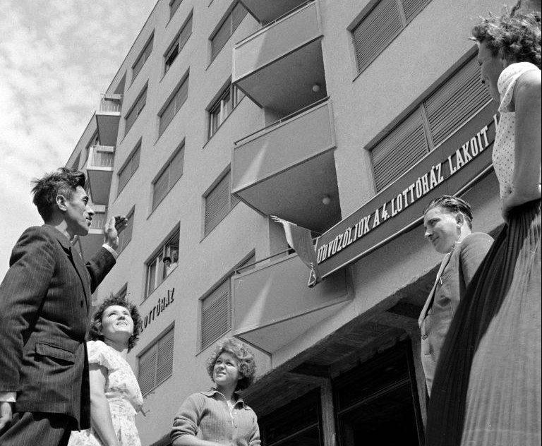 Ránk maradt retro kincsek: Lottóházak Budapesten