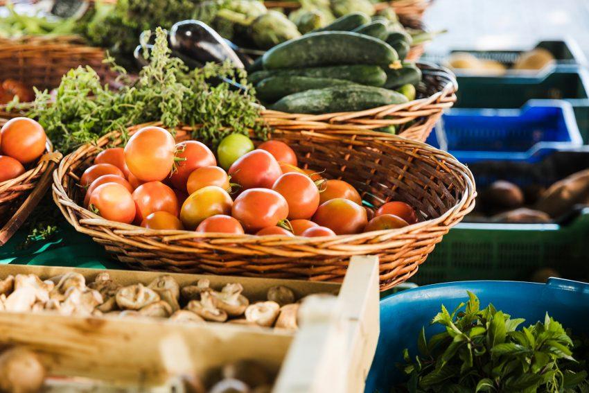 Tavaszindító piacozás és családi ízirájderezés