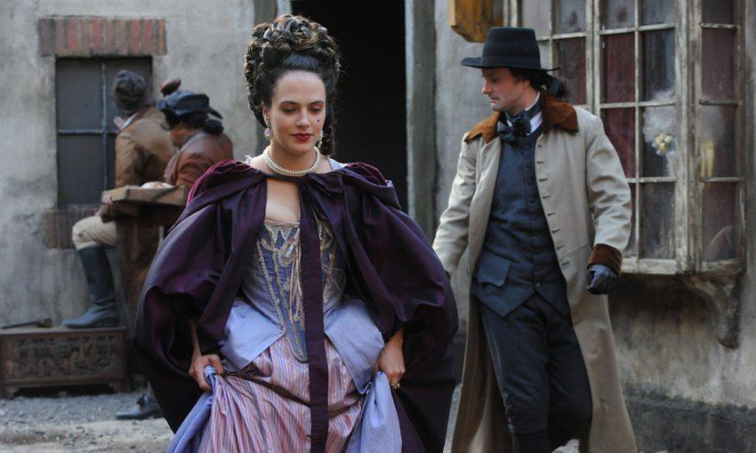 A legjobb kosztümös sorozatok a Netflixen, HBO GO-n, Hulun: Kurtizánok kora
