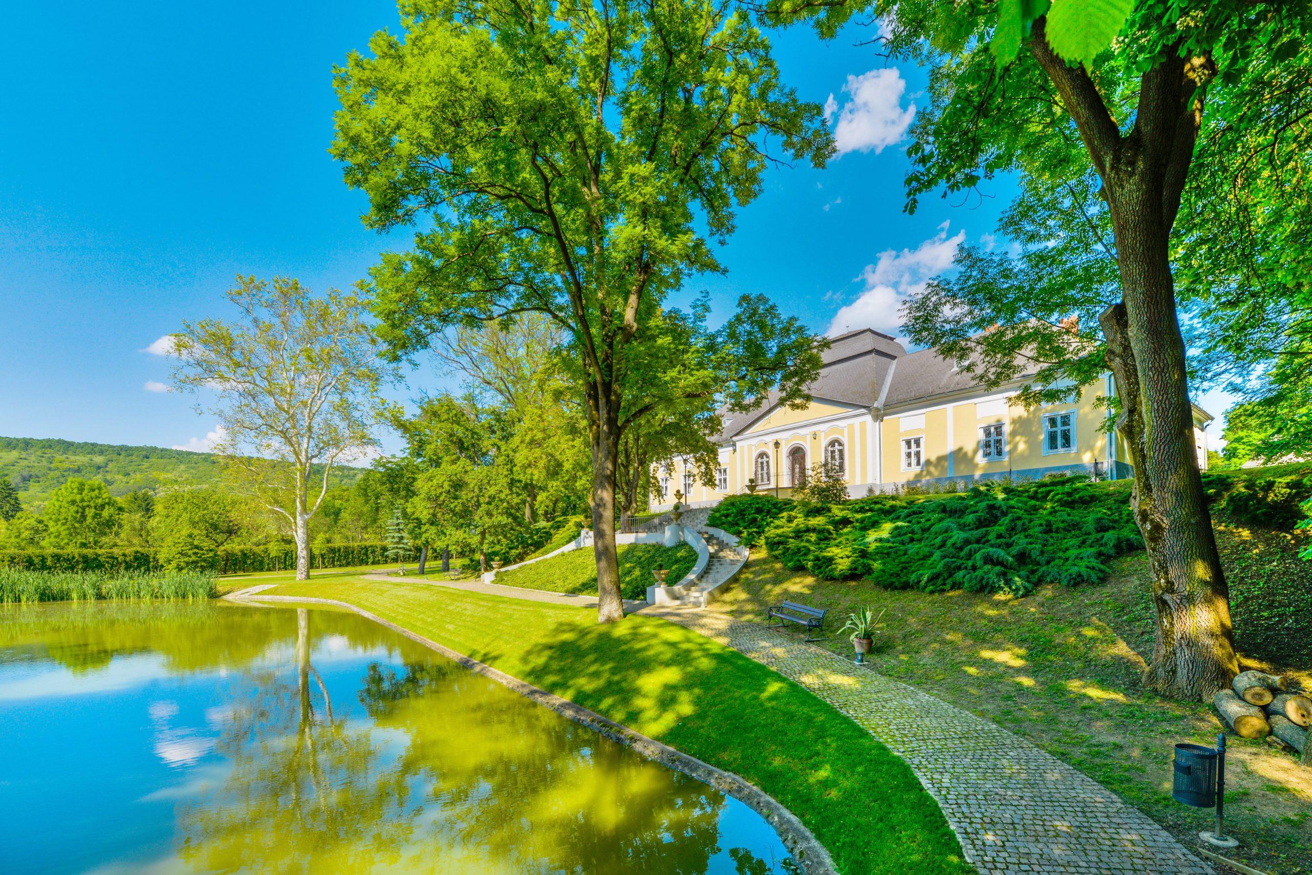 Vidéki kastélypark ad otthont a leghangulatosabb családi pikniknek júniusban