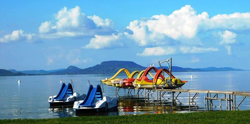 50+ ingyenes strand a Balaton körül, ahol jót hűsölhetsz idén nyáron
