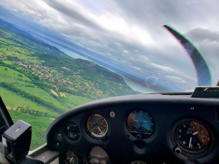 Balatoni programok: Repülés