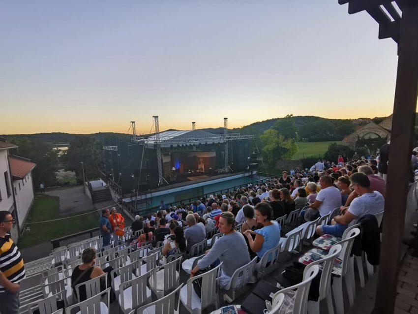 Balatoni programok - 2021 július: Tihanyi Szabadtéri Játékok