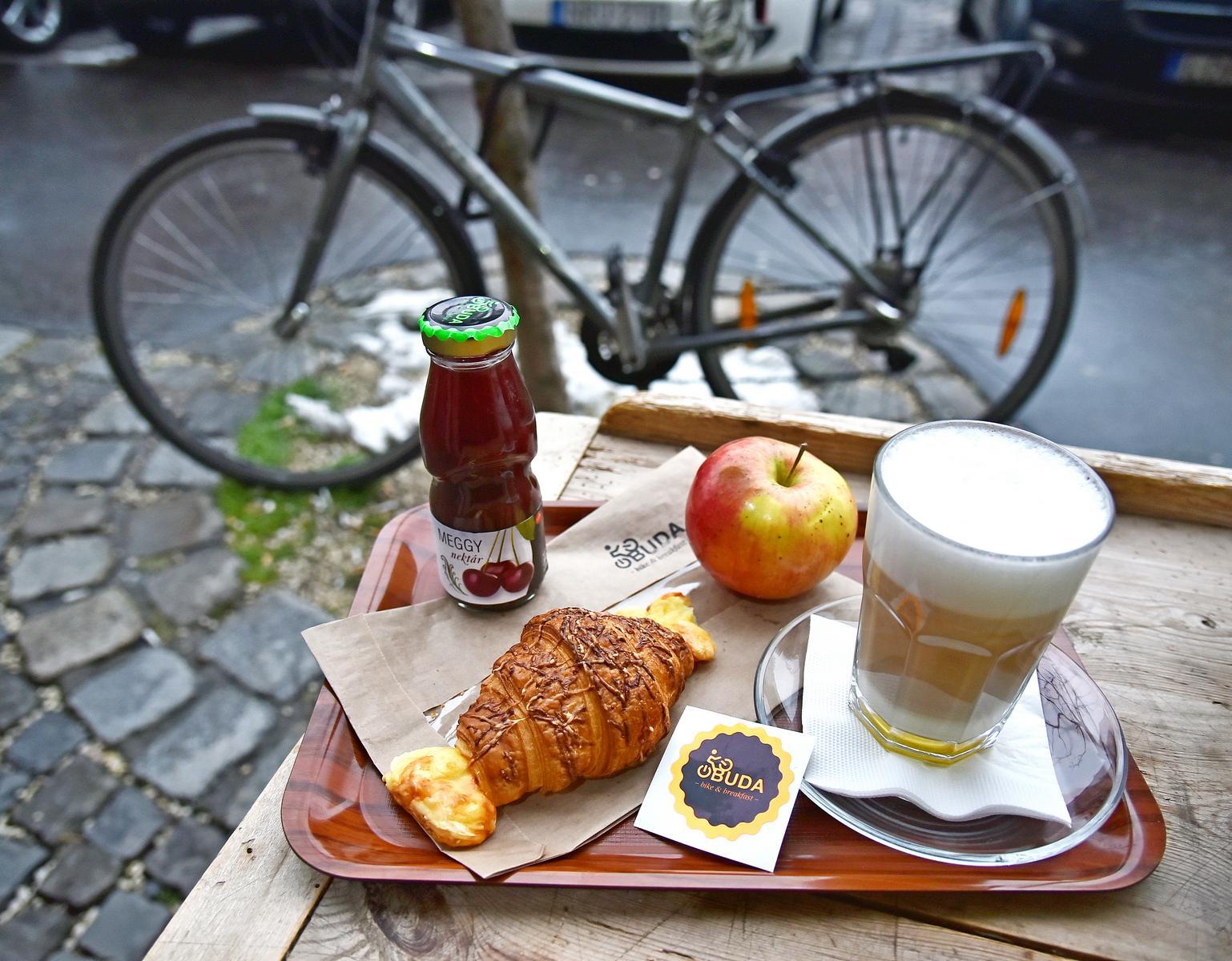 Három óbudai helyszín ismét bringás reggelivel várja a kerékpárral közlekedőket