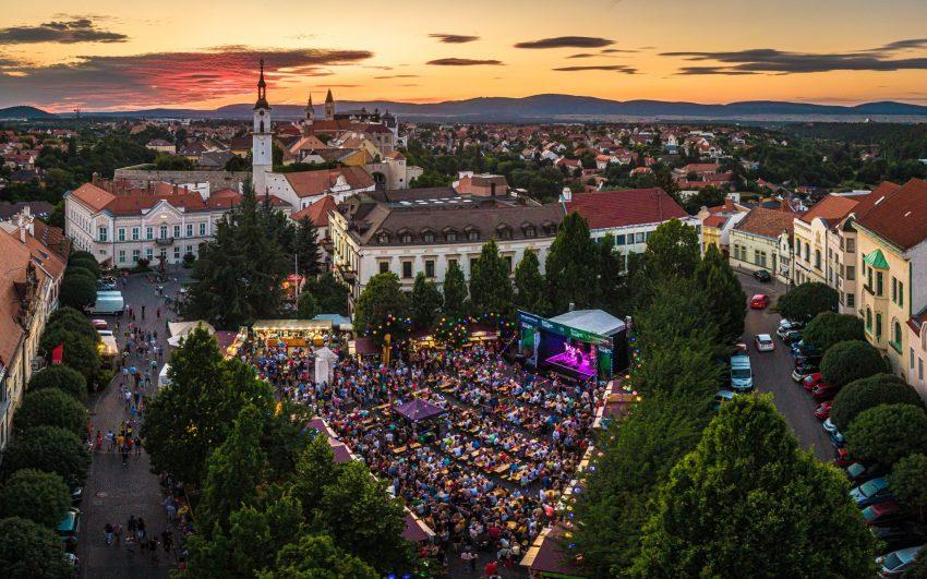 Balatoni programok 2021 augusztus 20: Rosé, rizling és jazz napok