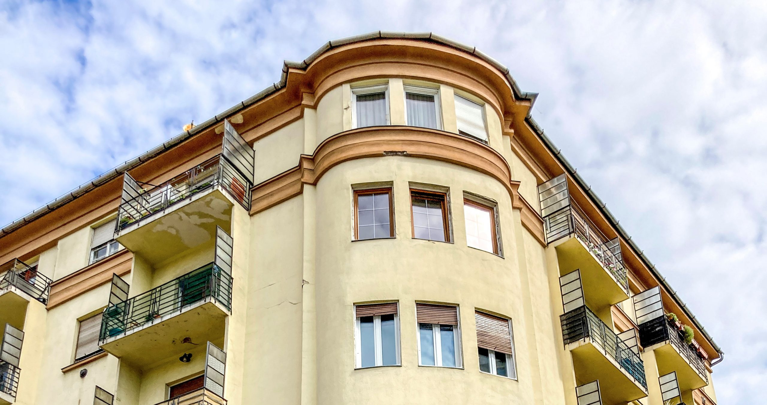 Barangolás Buda belsejében: 5 ház, amit érdemes megnézni a Budapest100 alatt